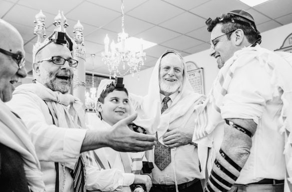 Bar Mitzvah, pose des Téfilines