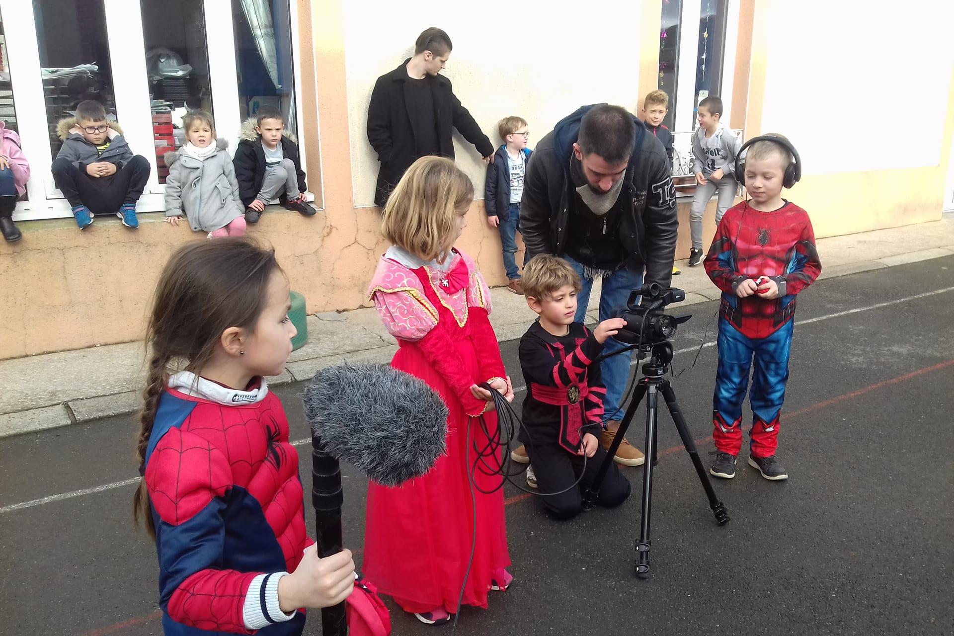 Classe découverte cinéma, tournage avec des élèves de cycle 1, cycle 2